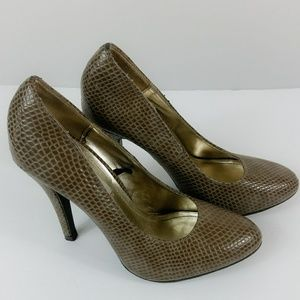Steve Madden Womens Shoes Pumps Snake Print Taupe